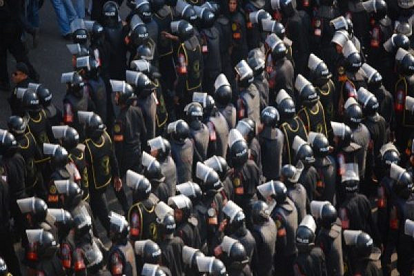 Central_Security_Forces_in_2011_Egyptian_Protests (Photo: M. Soli/Wikimedia Commons)