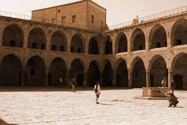 The old caravanserai in Acre (Photo: Yossi Gurvitz)