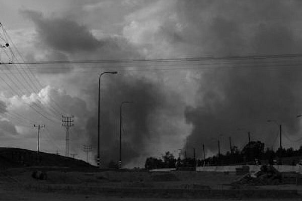 The IDF wants more blood. Gaza from a distance, January 2009 (Photo: Yossi Gurvitz)