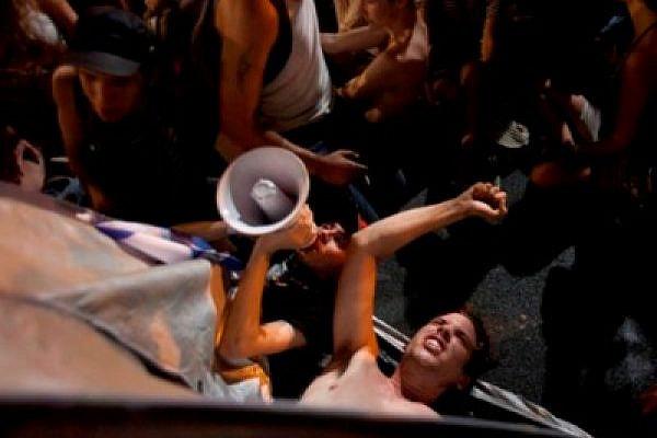 Tel Aviv protest for social justice, June 30 2011 (photo: Oren Ziv/Activestills)