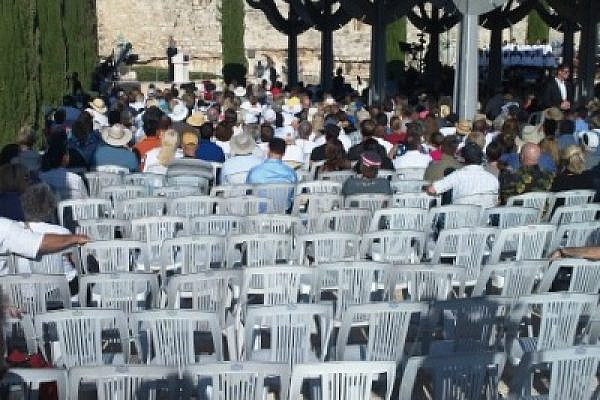 "The empty seats at Glenn Beck's ""Restoring Courage"" rally in Jerusalem, August 24, 2011 (Photo: Ami Kaufman)"