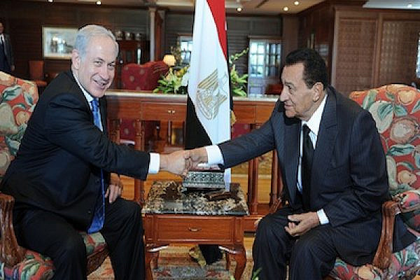 Israeli PM Netanyau with Egypt former President Mubarak (Photo: Moshe Milner/IsraelMFA/Flickr)