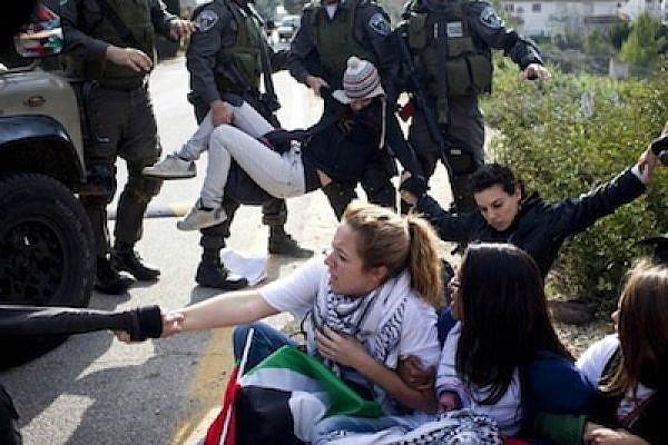 Nabi-Saleh-Arrests-16-12-11 (Photo: Oren Ziv/Activestills)