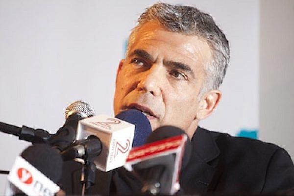 Yair Lapid at journalism conference in Tel Aviv, 20.11.11 (Photo: Oren Ziv/ActiveStills) THUMB