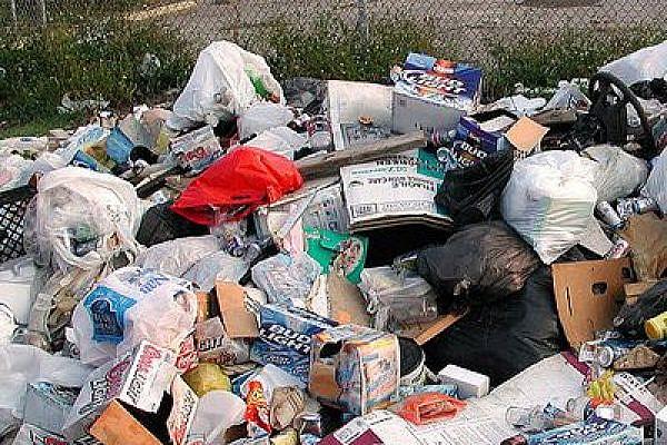 Illustrative photo of garbage (flickr/Editor B)