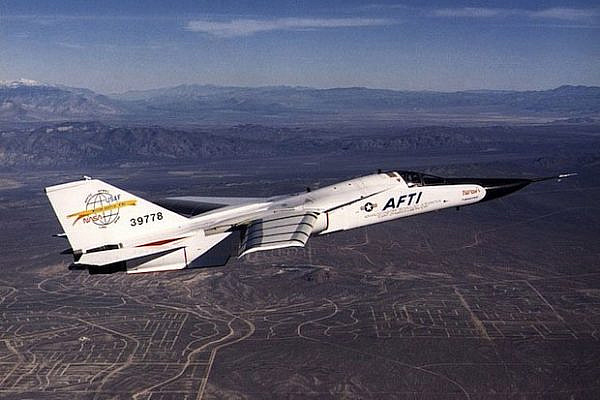 Fighter Jet (mattmorgan/CC BY SA 2.0)