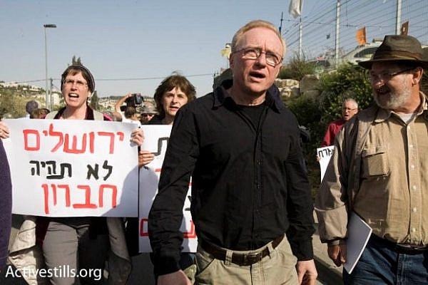 Israeli author David Grossman demonstrates in Sheikh Jarrah (Activestills)