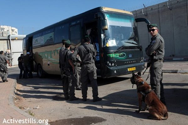 The law requires drivers to take Palestinians, makes it impossible at the same time (Activestills)
