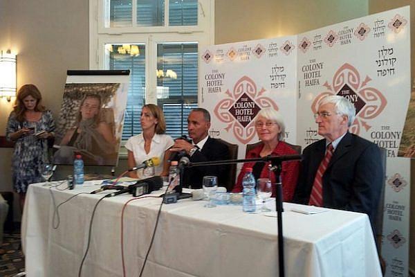 Rachel Corrie's parents conference following verdict on Tuesday (Leehee Rothschild)