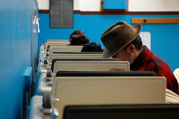 Absentee voters (Columbia City Blog CC BY NC SA 2.0)
