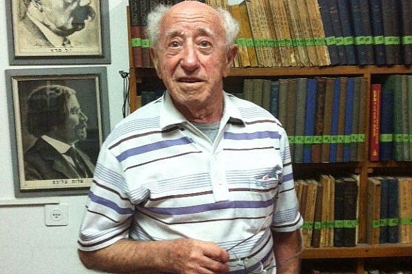Yitzhak Luden stands in the Yiddish community center (photo: Alon Aviram) 14th November 2012