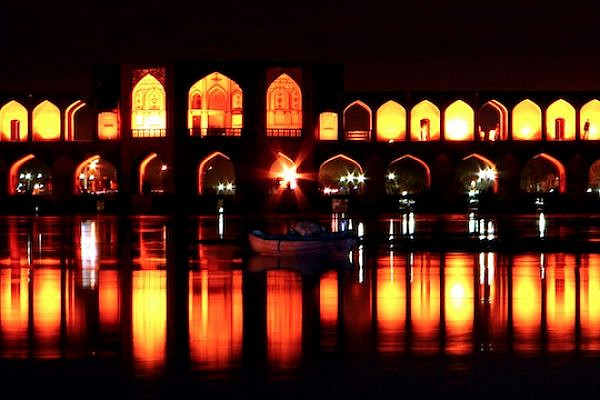 Khaju Bridge in Isfahan, Iran (Photo: Hamed Saber/CC)