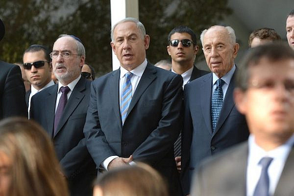 PM Netanyahu, with President Peres and Supreme Court President Grunis (L) at the official Rabin memorial, Mount Herzl, October 16, 2013. (Photo: GPO/Mark Neyman)