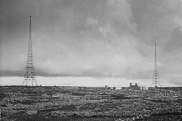 Broadcasting towers at Ramallah, sometime between 1934-39. (photo: The American Colony Photo Department in Jerusalem