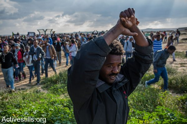 The protesters were calling to close the prison and to recognize the refugee rights of the African asylum seekers living in Israel.