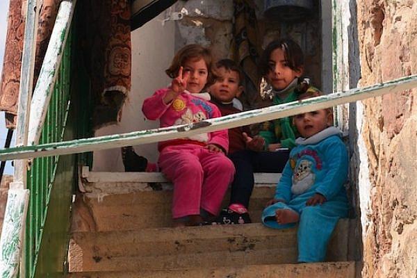 Palestinian children in Hebron's H2 (Photo by Dana Direktor)
