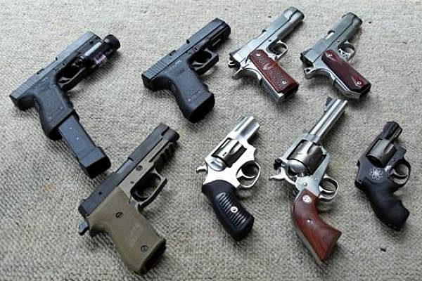 Handguns. (photo: Joshuashearn/CC BY-SA 3.0)