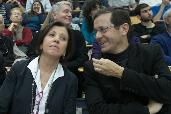 Meretz Chairwoman Zehava Galon and opposition leader Yitzhak Herzog of Labor (Photo: Yotam Ronen/Activestills.org)