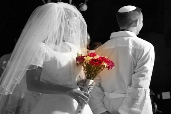 An Israeli Wedding (illustration, the people in this photo are not related to the content of the article. photo by: Yosef Silver/flickr)
