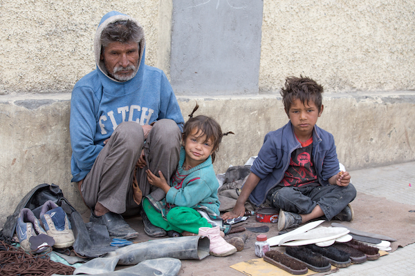 Illustrative photo of an impoverished family (Shutterstock.com)
