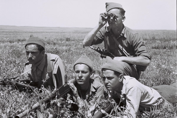 Hagana militants training in the Yizrael Valley, January 3, 1948. (Photo by Zoltan Kluger/GPO)