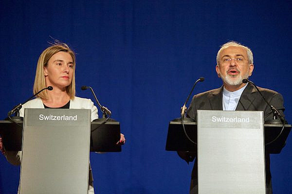 EU High Representative Mogherini and Iranian Foreign Minister Zarif address reporters following negotiations, April 2, 2015. (State Dept. photo)