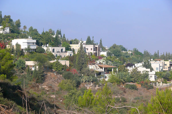 A view of the Neve Shalom-Wahat al-Salam village, August 17, 2013. (Photo by Math Knight/CC)