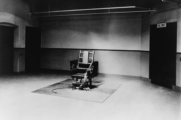 Death chamber and electric chair at Sing Sing Prison in 1923. (photo: Everett Collection/Shutterstock.com)
