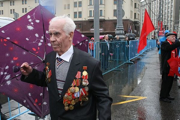 A Veteran marches in Moscow, May 2015 (Photo: Haggai Matar)