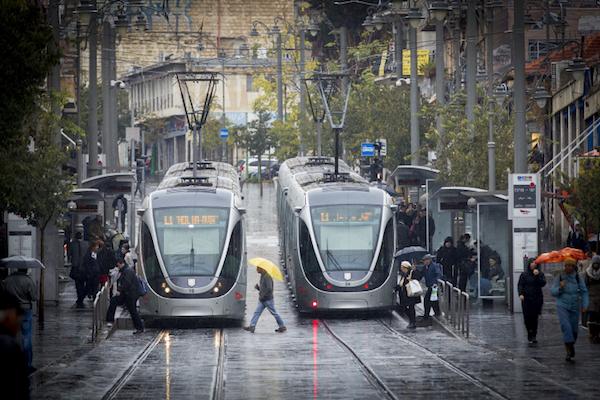 The light rail in West Jerusalem. (Miriam Alster/Flash90)