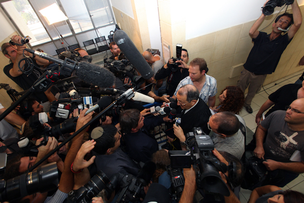 Illustrative photo of journalists surrounding the subject of a story. (Kobi Gideon/Flash90)