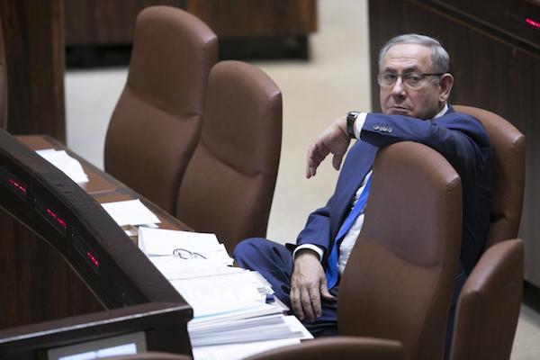 Israel Prime Minister Benjamin Netanyahu in the Knesset, November 1, 2016. (Yonatan Sindel/Flash90)