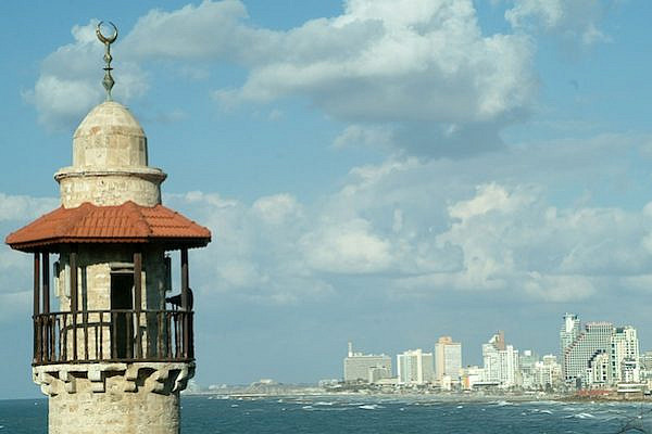 A minaret of a mosque in Jaffa port overlooking Tel Aviv, January 5, 2008. (Jorge Novominsky/Flash90)
