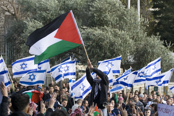 Illustrative photo of pro-Israel and pro-Palestine protesters on campus. (Matanya Tausig/Flash90)