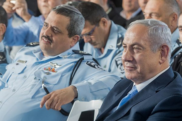 Israeli Prime Minister Benjamin Netanyahu and Israeli Chief of Police Roni Alshiech at an inauguration ceremony marking the opening of a new police station in the northern Arab Israeli town of Jisr az-Zarqa, November 21, 2017. (Basel Awidat/Flash90)