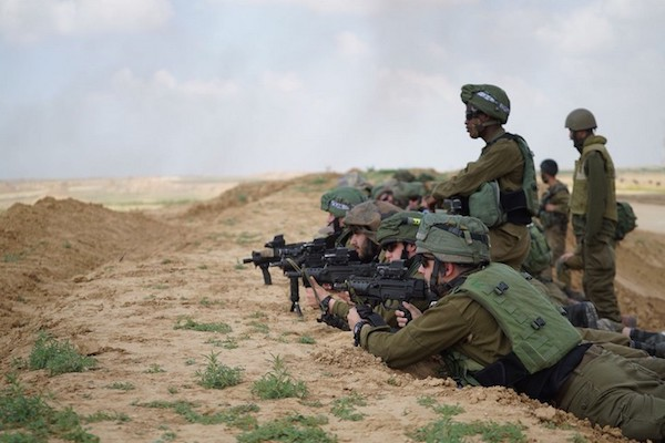 Israeli snipers seen on the border with Gaza during the Great March of Return, March 30, 2018. (IDF Spokesperson)