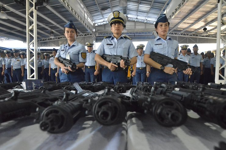 The Philippine Coast Guard presenting a shipment of 70 Israeli-made machine guns at the PCG National Headquarters Port Area on May 7, 2018. (Courtesy of Philippines Coast Guard)
