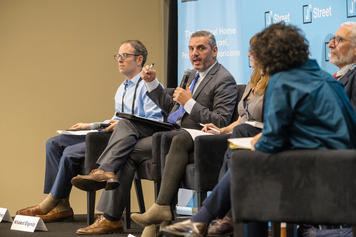 Former Brookings Institution senior fellow Khaled Elgindy speaking at the 2019 J Street National Conference, with Center for a New American Security senior fellow Ilan Goldenberg to his right. October 28, 2019. (J Street)