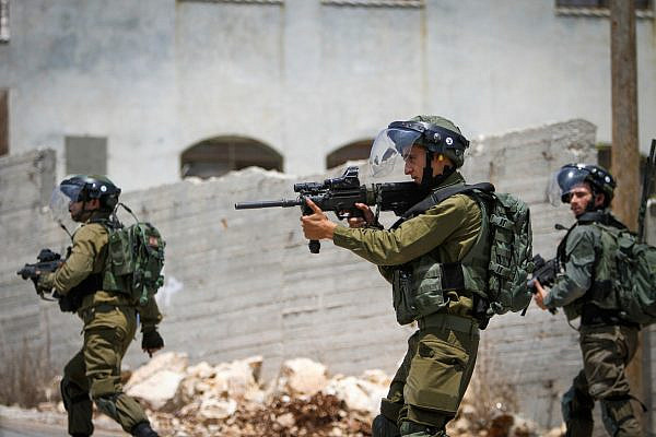 Israeli soldiers in the West Bank village of Kufr Qaddum, June 22, 2018. (Nasser Ishtayeh/Flash90)