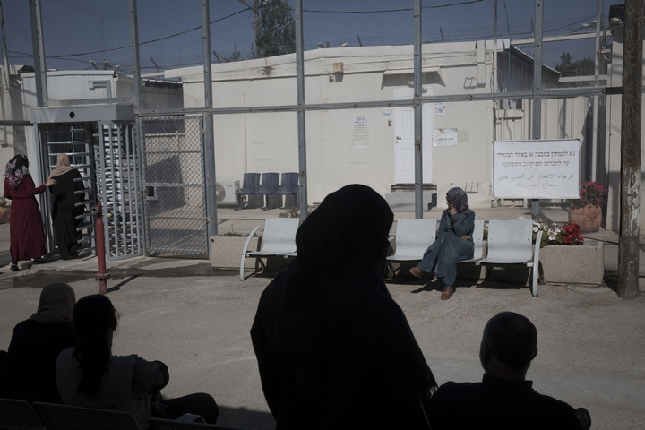 People awaiting a court hearing at Ofer Prison. (Oren Ziv)