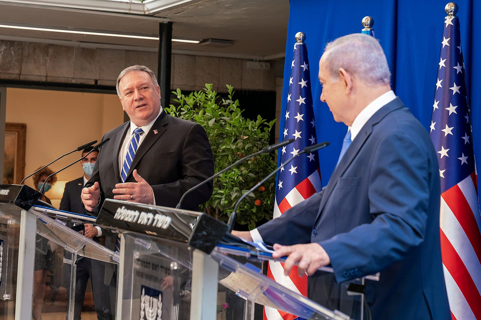U.S. Secretary of State Michael Pompeo with Israeli Prime Minister Benjamin Netanyahu at the Prime Minister's Residence in Jerusalem. May 13, 2020. (Ron Przysucha/U.S. State Department)