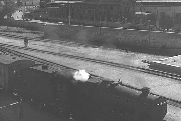 A railroad in Haifa, February 25, 1945. (GPO)