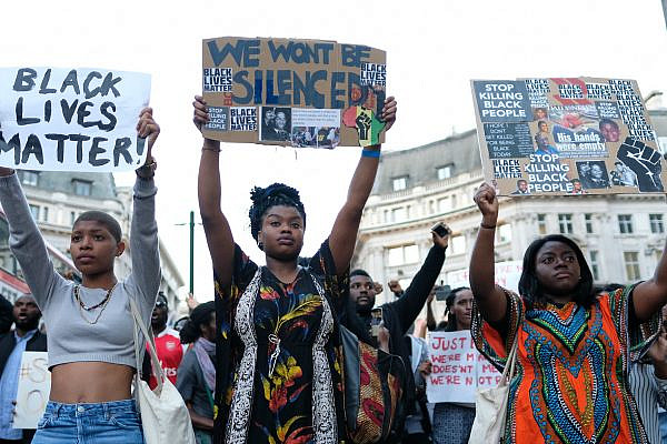 Black Lives Matter protesters in London gather following the police shootings of Philando Castile and Alon Sterling in the United States, July 8, 2016. (Alisdare Hickson/CC BY-NC 2.0)
