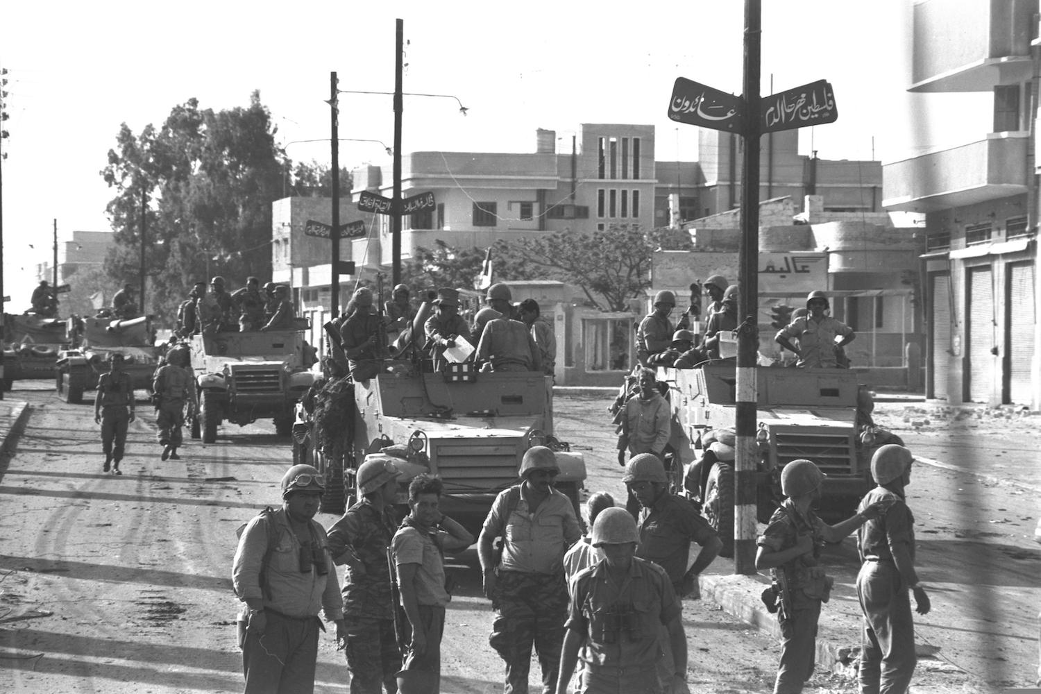 An Israeli armored unit entering Gaza during the Six Day War, June 6, 1967. (GPO)