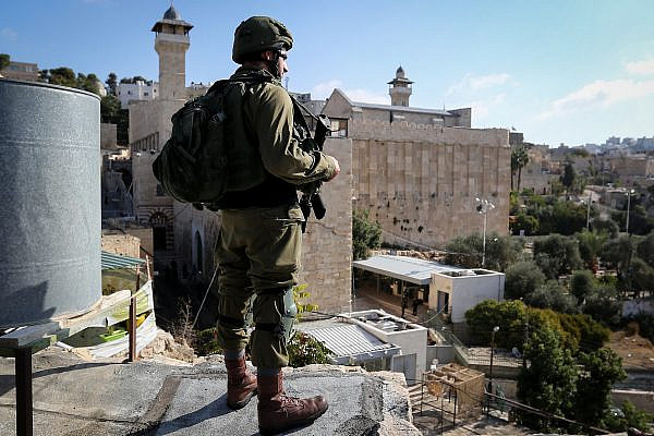 Israeli troops take position around the Cave of the Patriarchs, also known as the Ibrahimi mosque, in the old city of Hebron, in the West Bank, on October 30, 2019. (Wisam Hashlamoun/Flash90)