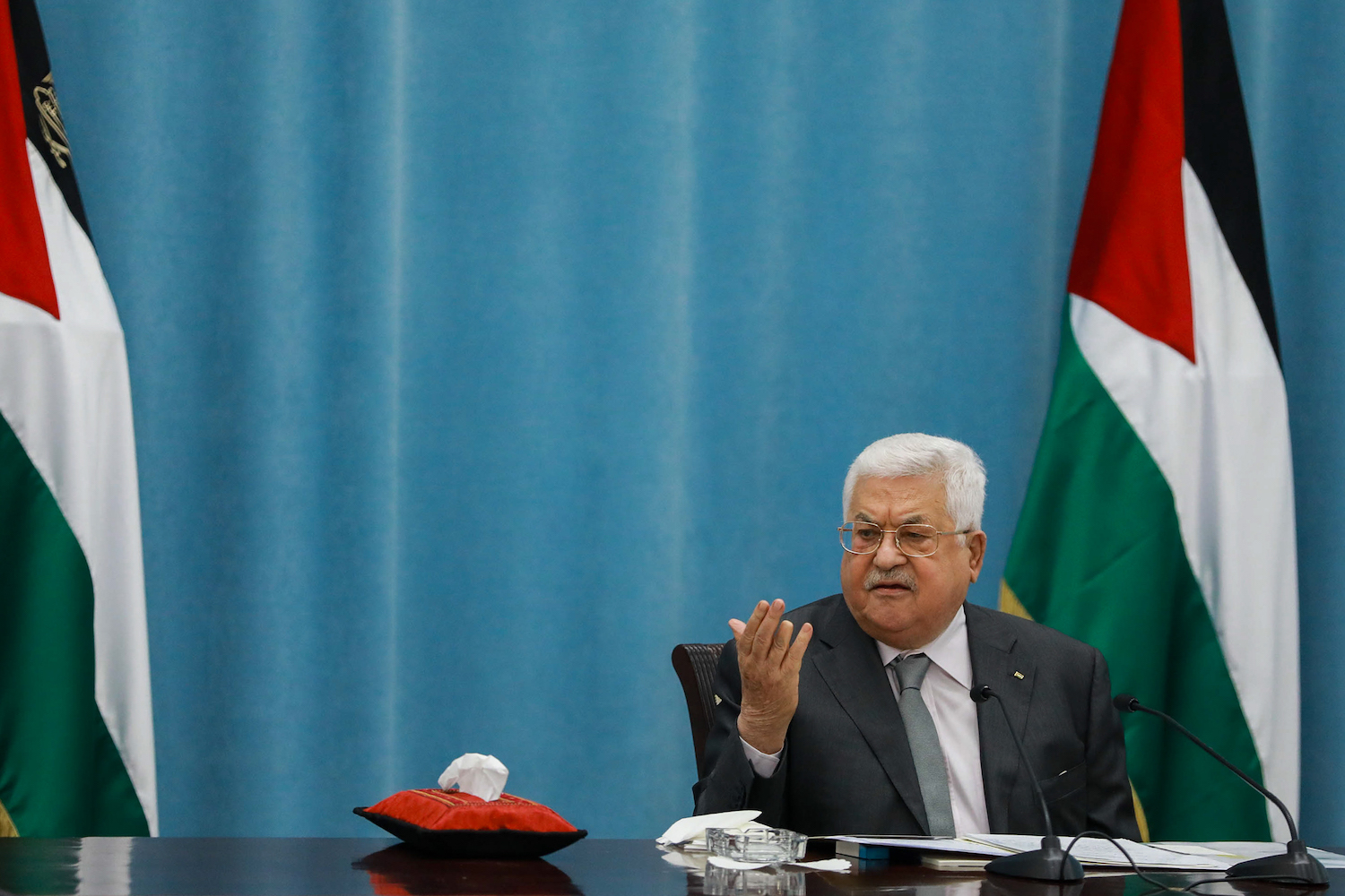 Palestinian president Mahmoud Abbas speaks during a meeting of the Palestinian leadership in the West Bank city of Ramallah, May 7, 2020. (Flash90)
