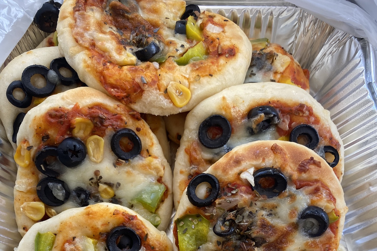 While in quarantine, Tala's mother drops off her favorite homemade pizza. (Photo courtesy of Tala Shurrab)