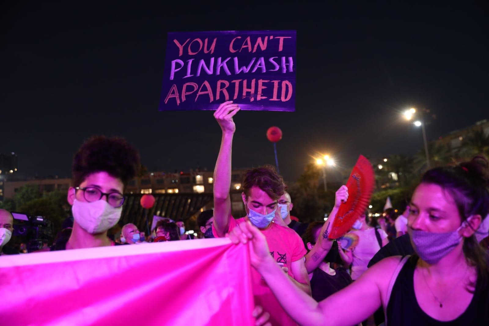 Left-wing activists protest pinkwashing at Tel Aviv Pride, June 28, 2020. (Oren Ziv/Activestills)