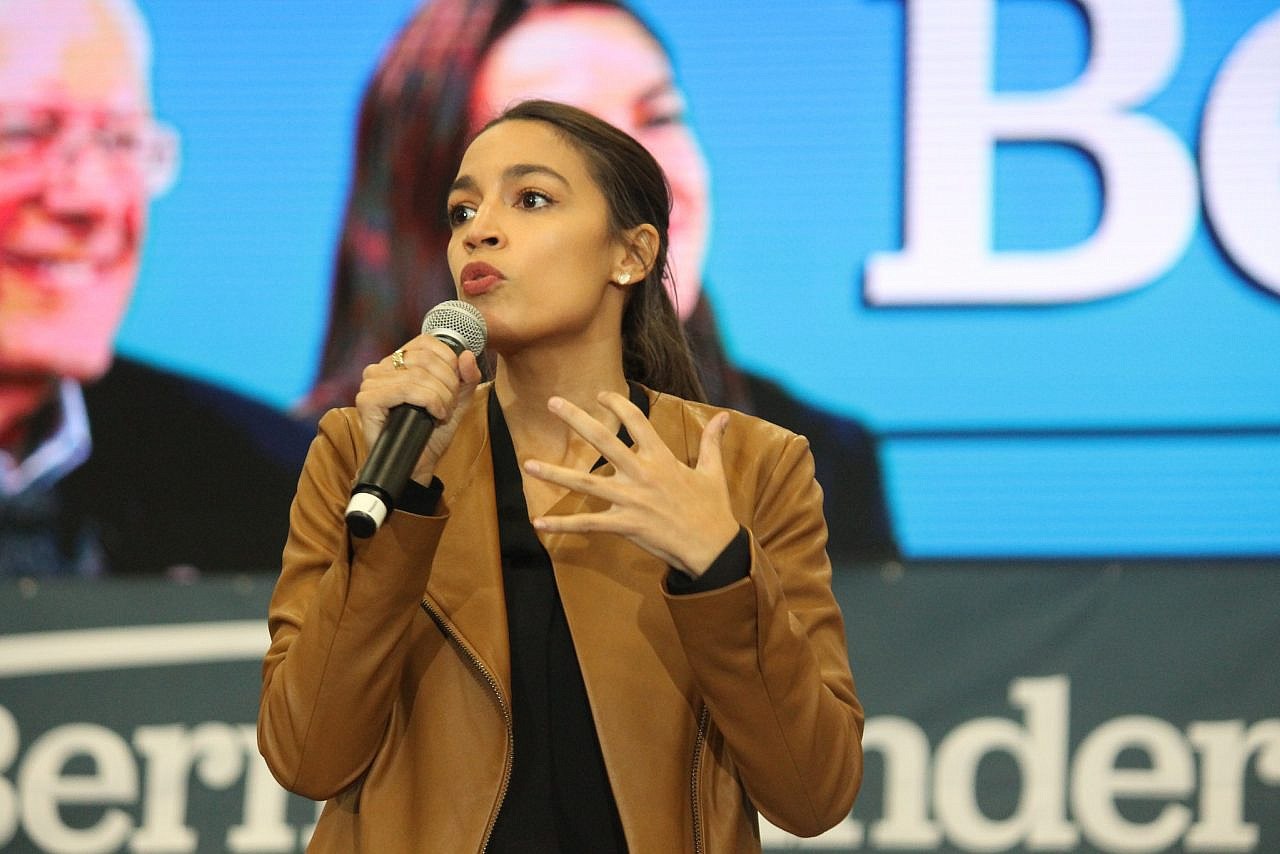 Rep. Alexandria Ocasio-Cortez speaking to attendees at a rally for Bernie Sanders in Council Bluffs, Iowa, November 8, 2019. (Matt A.J./CC BY 2.0)