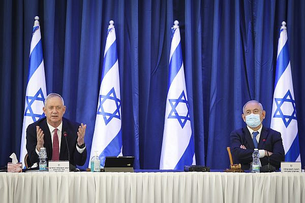 Israeli prime minister Benjamin Netanyahu and Alternate Prime Minister and Defense Minister Benny Gantz at the weekly cabinet meeting, at the Foreign Affairs Ministry in Jerusalem on June 21, 2020. (Marc Israel Sellem/POOL)